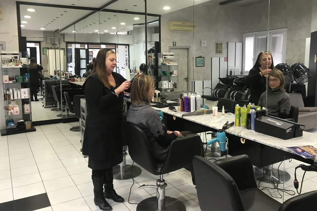 La Spezia Magazine Parrucchiera Anna Bragazzi salone