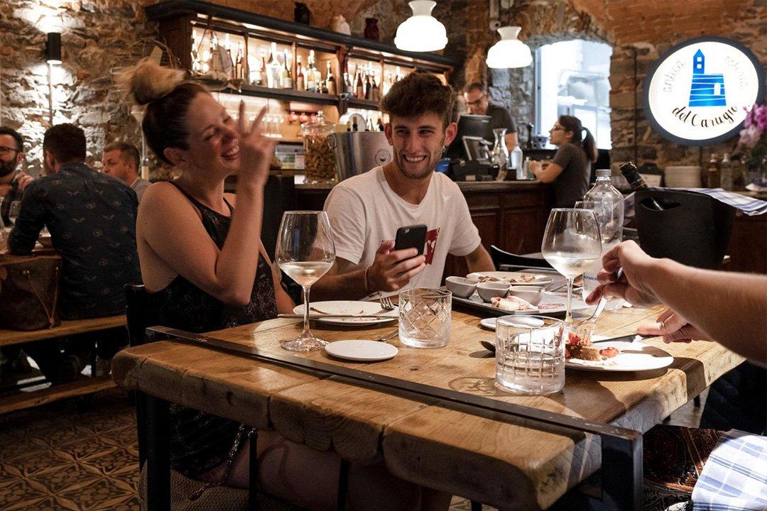Antica osteria del carugio tavolo felice